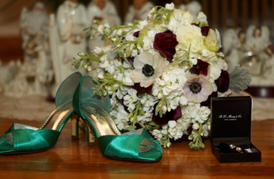 Brides shoes and bouquet before a Hudson Valley Wedding in White Plains New York